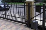 13 Posuvná brána
